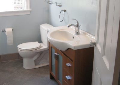 Bathroom Remodel – 50's Style to Contemporary